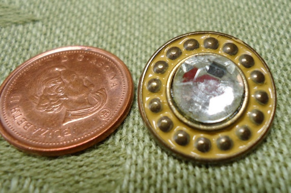 5 Metal and glass vintage buttons. 2 pairs of matching buttons and one larger but matched one set of smaller. UNK/P11.11-12.3-11.1