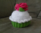 Rose-Topped Cupcake Hat
