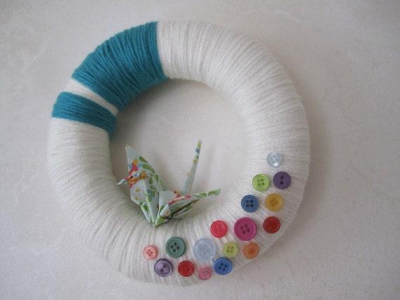 """White yarn wreath - origami crane and pastel color buttons 8"""""""
