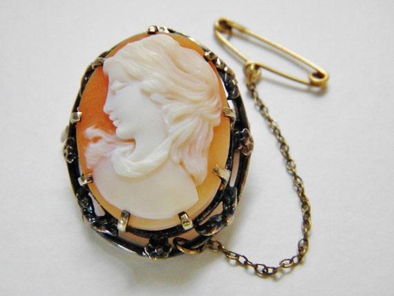 Victorian Art Nouveau Shell Cameo Brooch 22k GF