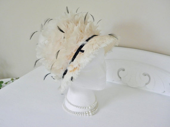 Vintage Cream Feather Ladies Hat - 60s