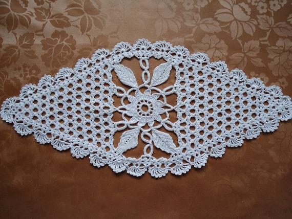 Crochet doily oval white