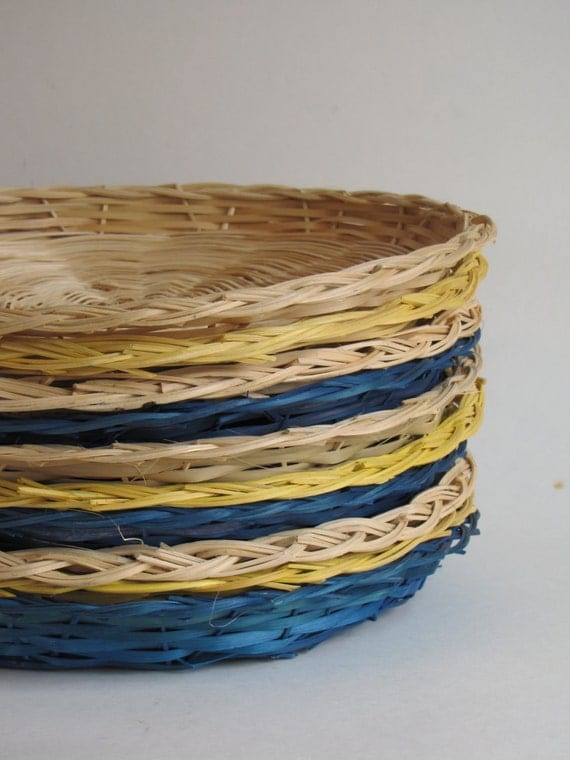 vintage wicker paper plate holders set of ten yellow. Black Bedroom Furniture Sets. Home Design Ideas