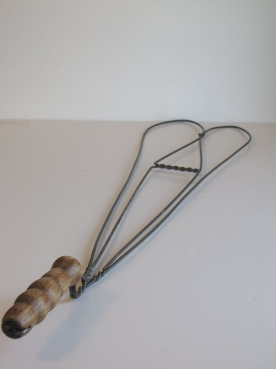 Vintage Wire Rug Beater