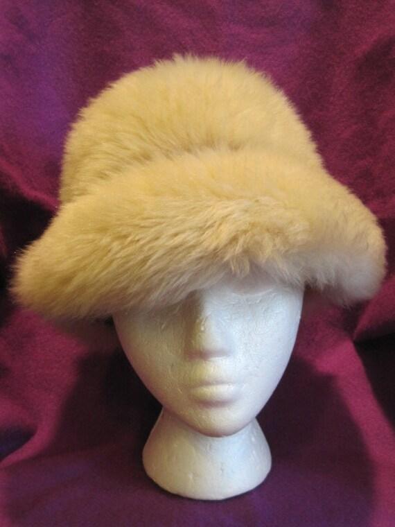 Vintage 1970s 1980s Mod Hat Dyed Italian Lambs Wool Fur Beige Saks Fifth Avenue Italy Light Beige Cream Winter Hat