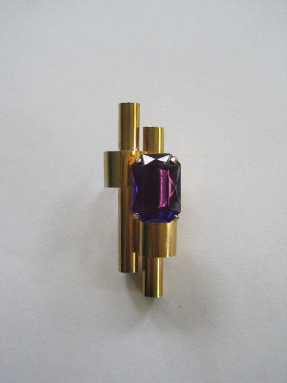 Vintage 1940s 1950s Goldtone Faux Amethyst Pin Brooch Purple Glass Deco Streamline Styling
