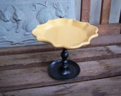 Vintage Inspired Yellow Gold Cupcake Stand