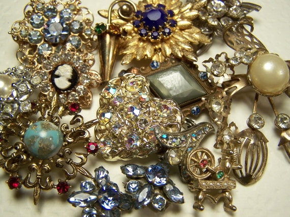 14 Pc Rhinestone brooch lot / tiny small pins