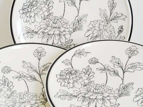RESERVED Mikasa Evensong Dinner Plates Floral Black White Colorama D7702