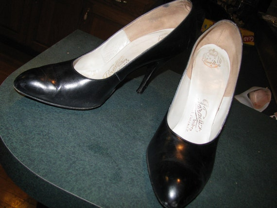 1950s Paradise Bootery Handmade Black Leather Stilletto Pumps