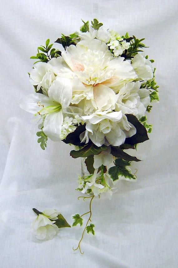 White Winter Wedding Flowers