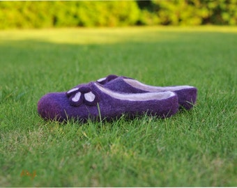 Felted slippers Shamrock - purple - women -handmade - felted house shoes