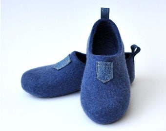 "Felted slippers ""I like JEANS""."
