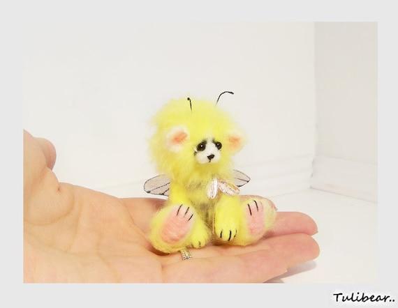 little bumblebee..