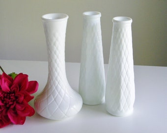 Vintage Milk Glass Bud Vases - White, Set of 3 - Great Gift Idea for Weddings, Showers or Christmas