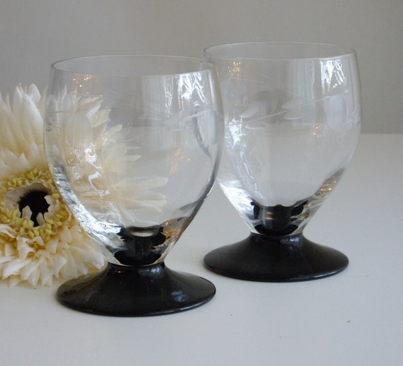 Vintage Art Deco Cocktail or Juice Glasses - Black footed - Wheel Cut Clear Glass Bowl