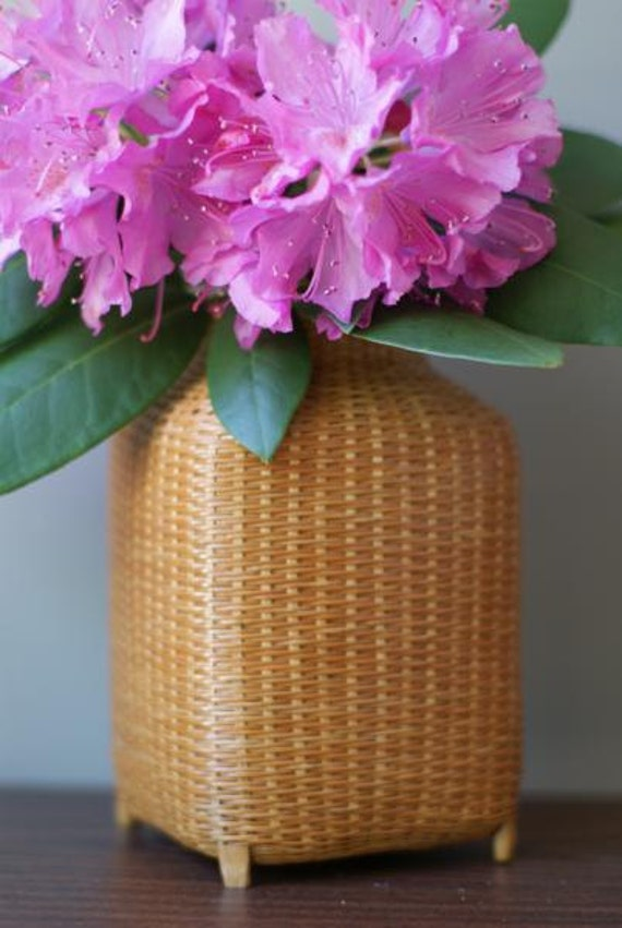 SALE Beautiful Footed Wicker Basket with Lid Tightly Woven and Ultra Lightweight