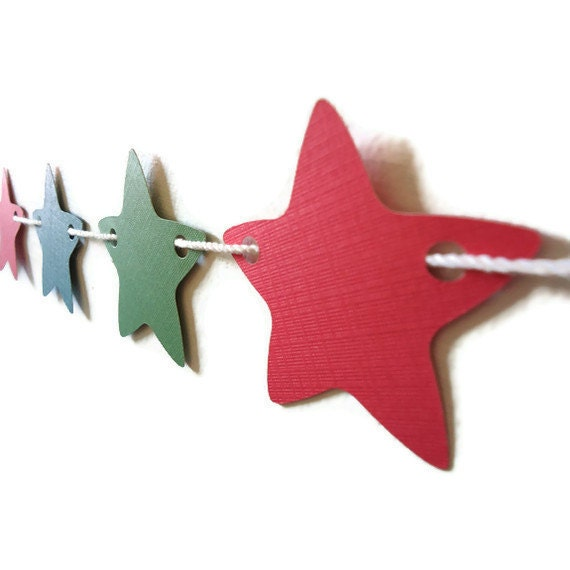 Christmas Star Banner, Holiday Wall Hanging, Green and Red Home Decor, Star Garland, December Party Bunting