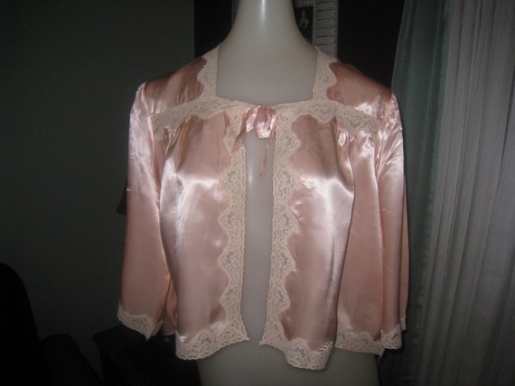 Vintage Peach Satin  and Lace Bed Jacket