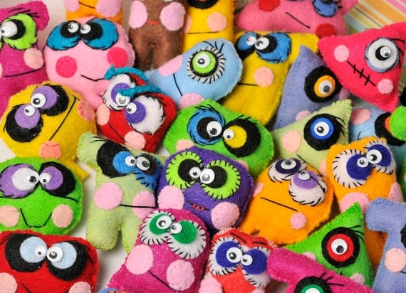 Halloween mini monster dolls . favors for kids . BFF . assorted little plush party favors .10 set . rainbow . zombie . creeters