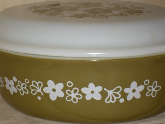 Spring  Blossom 1 1/2 qt  Casserole with Lid