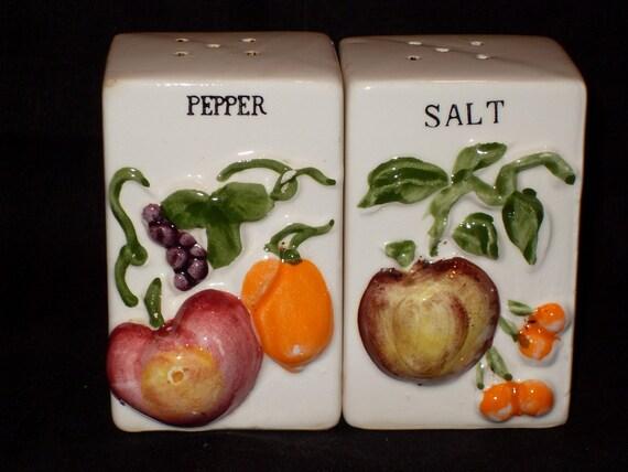 Antique Salt and Pepper, Square w/Veggies
