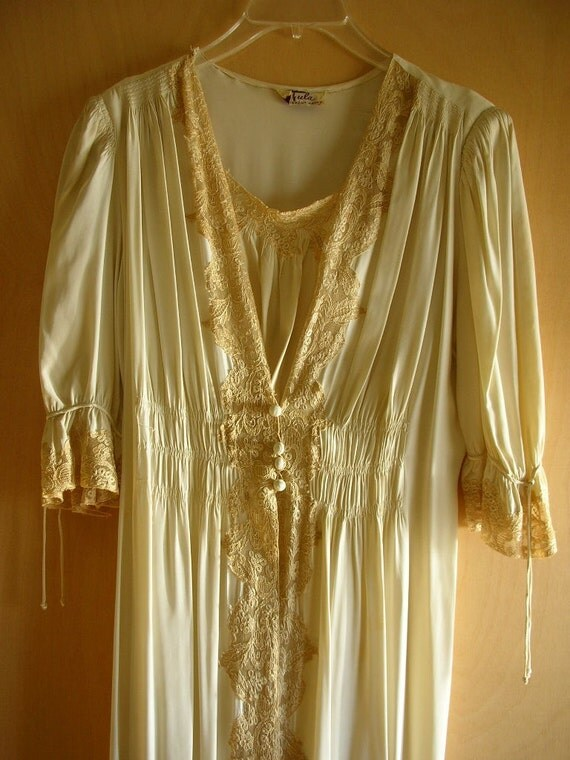 1940s Peignoir Set Gown and Robe Bias Negligee Ivory 2 pc Set WWII Bridal by Tula from The Back part of the Basement