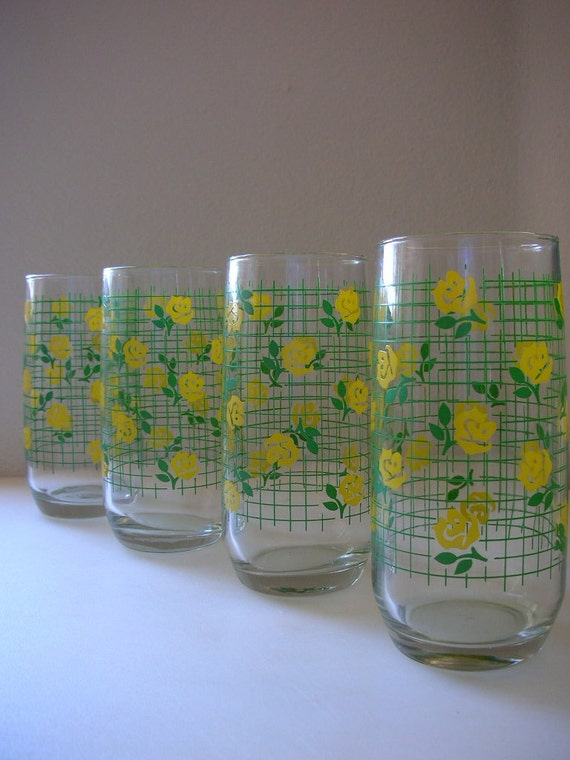Yellow Roses Drinking Glasses Set of 4 Lattice Tumblers Floral Glasses from The Back part of the Basement