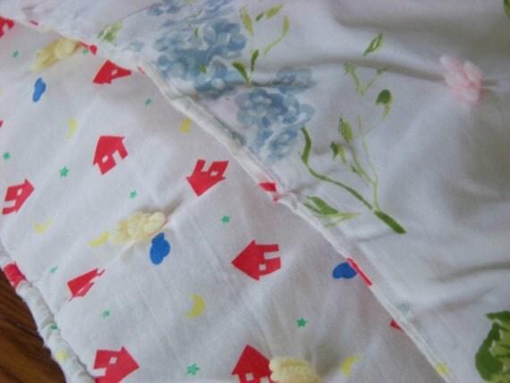 Vintage Print Floral Quilt / Reversible Quilt / Pastel Floral Blanket / Full Or Queen Bedspread