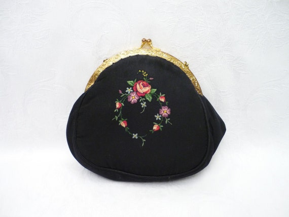 Vintage 1940's Hand Embroidered Dainty Purse