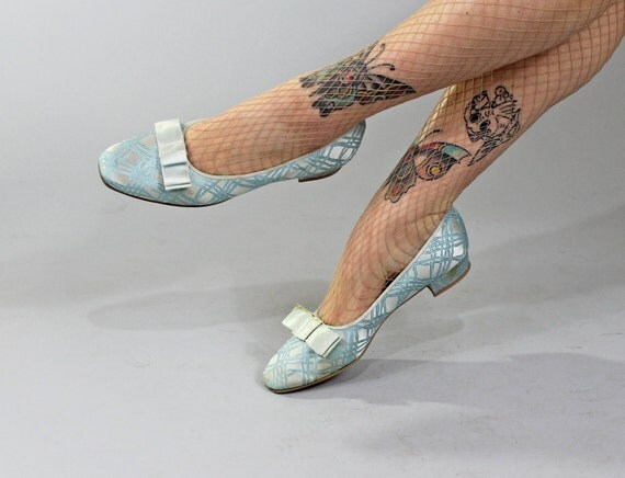 1960s Vintage Shoes...CARRY ON Sky Blue Brocade House Slippers Flats by Daniel Green Size 7.5
