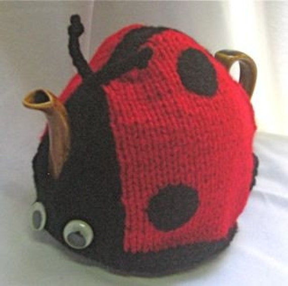 Ladybird Tea Cosy - KNITTING PATTERN -  pdf file by automatic download