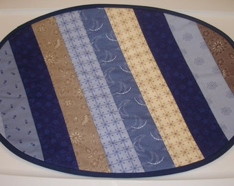 Placemat - set of four - 4 placemats - Contemporary Flowers in blue and beige