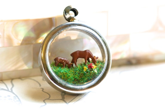Terrarium necklace, Diorama pendant miniature woodland scene of a deer and fawn, chain INCLUDED