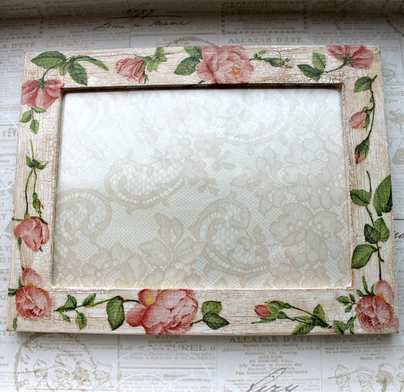 Shabby chic - Wooden white picture/photo frame with pink roses