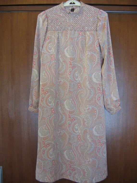 Long sleeved 70s prairie dress, petite