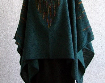 Handwoven Poncho with Triangular Pattern - Indigo, green and rainbow wool
