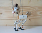 Pelham puppet foal horse string toy