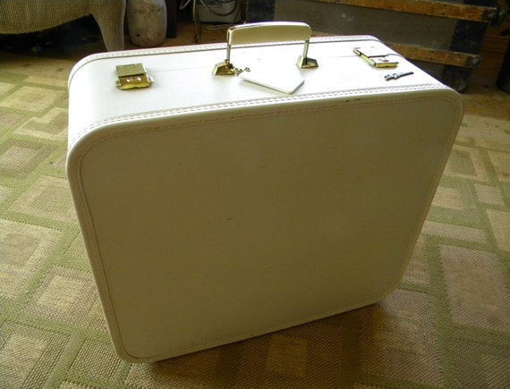 vintage Lady Baltimore suitcase cream off white 21x18x 8.5