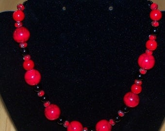 Beautiful Red Resin Beaded Necklace, 15""