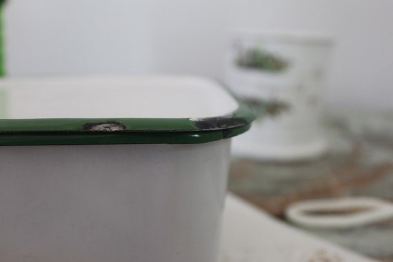 Vintage green and white enamel ref. container / Free shipping in USA