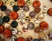 Assorted Style Buttons Lot Vintage Colored Metal Plastic Pack 100pcs