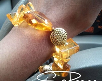 Yellow, Gold, bracelet with  toggle clasp - The Glamorous Life - Good as Gold
