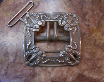 antique belt buckle