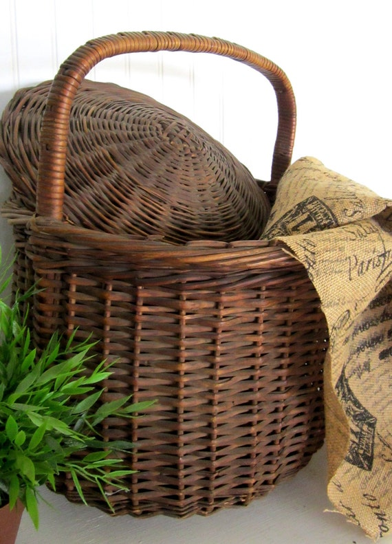 1940s Hand Woven Basket with Lid - Farmhouse Style Storage