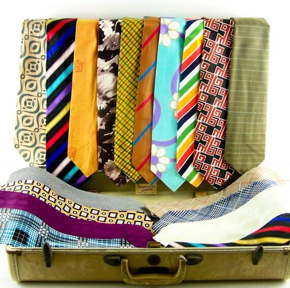Vintage Mens Ties Wide Neckties 18 Ties