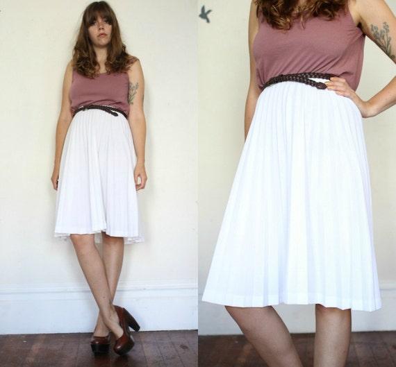 white accordion pleated skirt m