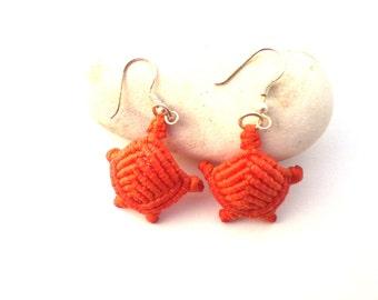 Macrame earrings. Natural jewelry. Orange turtle. Beach jewelry. Hippie earrings. Summer gift. Macrame turtle.