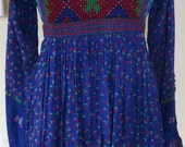 Vintage womens clothing 70's embroidered bodice folklore dress