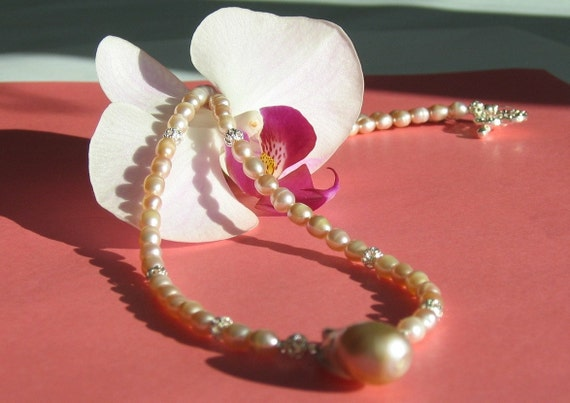 SALE Freshwater Pearls Necklace